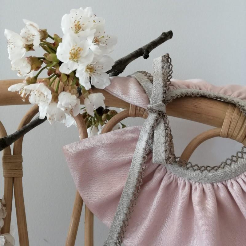 Col Pierrot rose pailleté avec liens à nouer en couleur lin